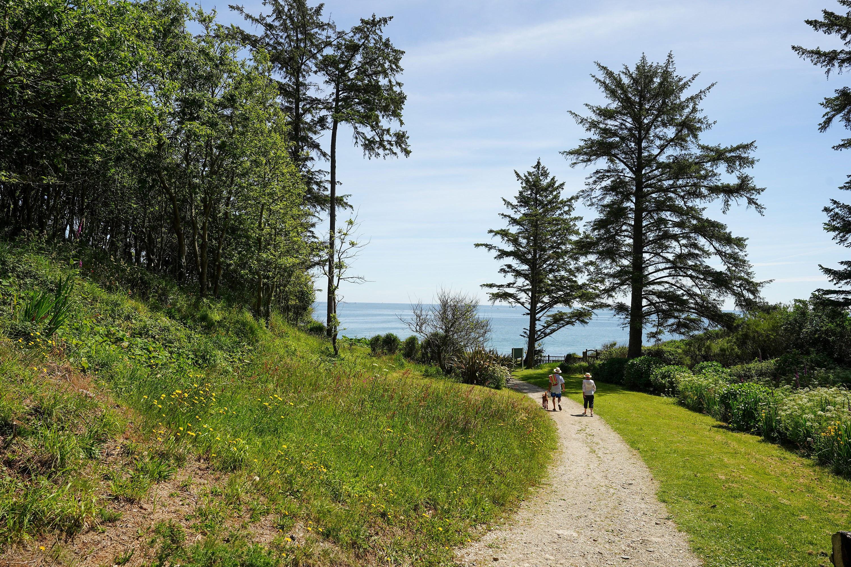Gardens Cove path