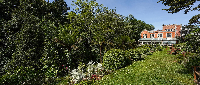 Meudon and gardens 3000x1288